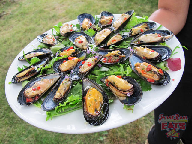 Mussels that you could throw back like oysters. Amazing!